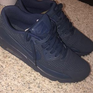 Navy Blue Air Max Nike's - Size 9.5